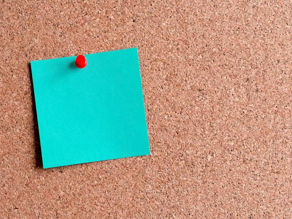 blank-post-it-note-on-pin-board-3.jpg