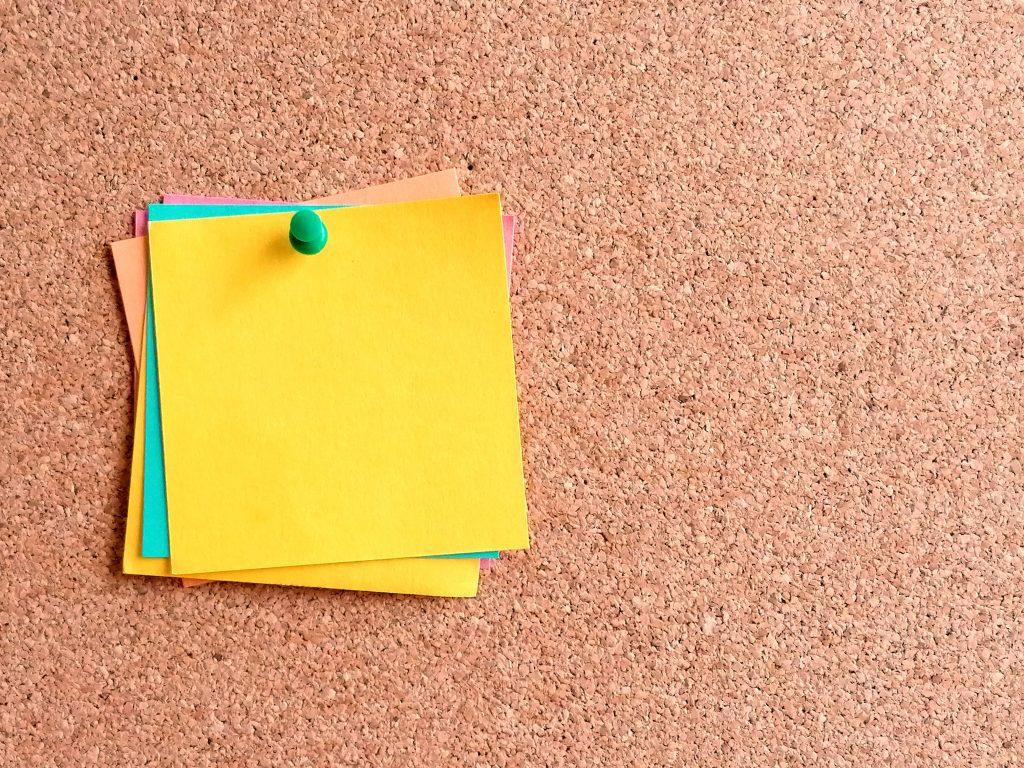 blank-post-it-note-on-pin-board-4.jpg