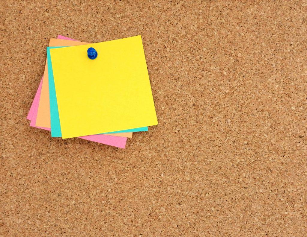 blank-post-it-note-on-pin-board-5.jpg